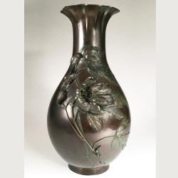 Vendu/ Sold Japon, Grand vase en bronze, époque Meiji, fin du 19ème siècle.