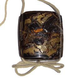 Japon, inro en laque et écaille, 18ème siècle