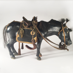 Japon, cheval en laque, Kazari-uma ningyo., 19ème siècle.